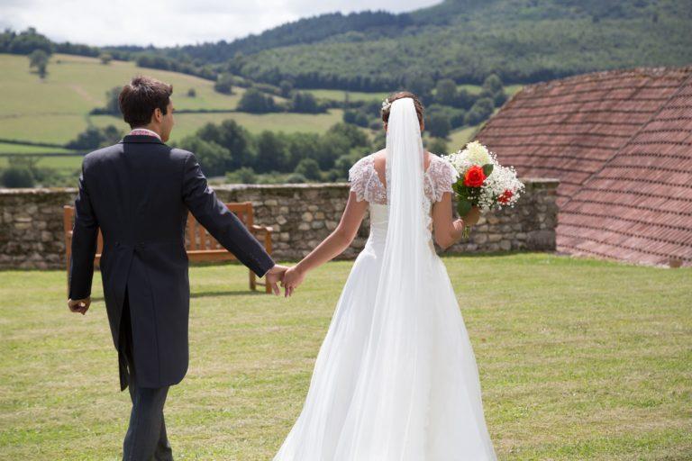 Tulle brodé effet dentelle- Mariage Bourgogne